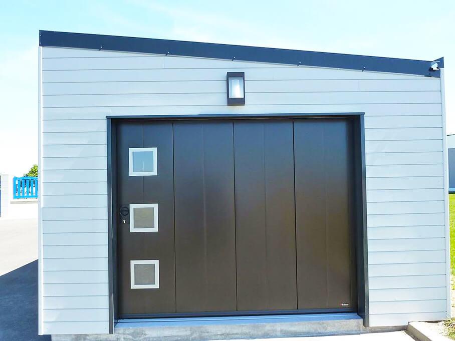 Espace confort 2000 réalise la porte latérale de votre garage à La Roche sur Yon